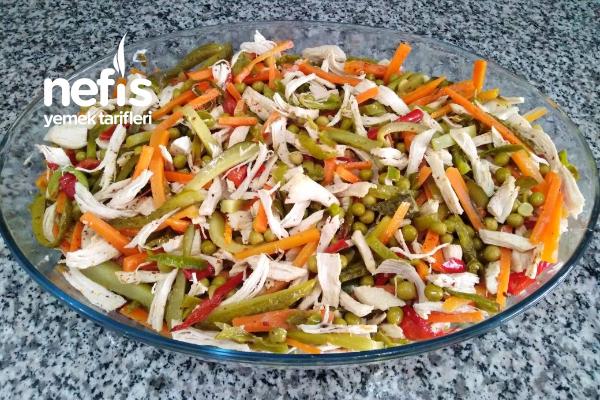 Tavuk Salatası (Harika Bir Lezzet) Tarifi