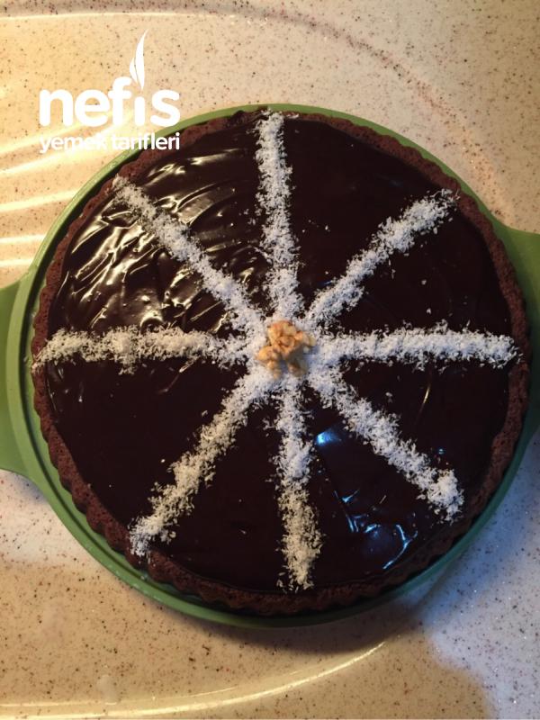Bol Çikolata Soslu Muzlu Tart Kek
