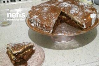 Kolay Yapımı Enfes Tadıyla Yaş Pasta Tarifi