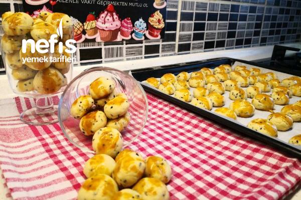 Çörek Otlu Mini Kurabiye – Bayatlamayan Kıyır Kıyır Tuzlu Kurabiye (Videolu) Tarifi
