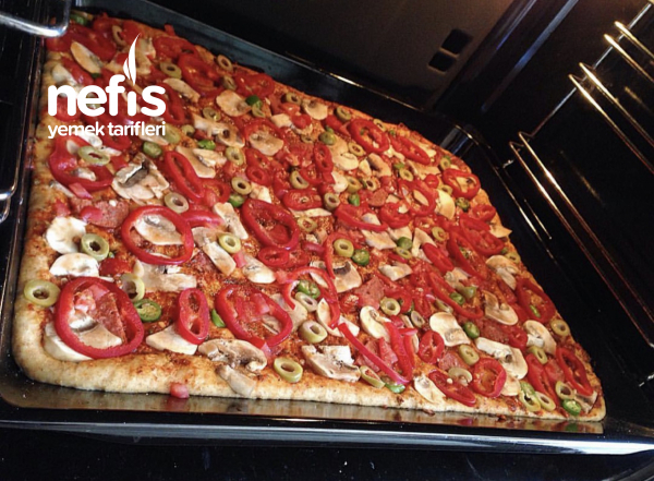 Ev Yapımı Kolay Pizza