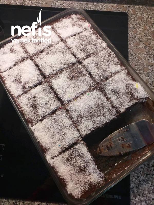 Çaylı Browni Kek