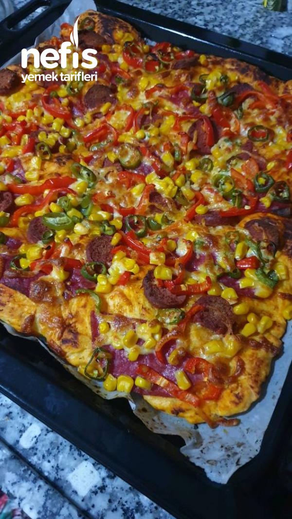 Fırın Hamuruyla Pizza