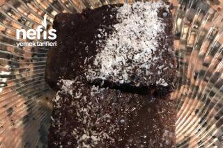 Sıcak Çikolatalı Islak Kek Tarifi