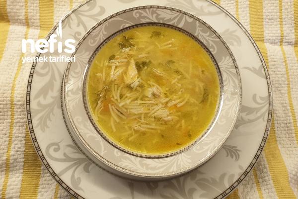 Şifası Bol Şehriyeli Tavuk Çorbası Tarifi