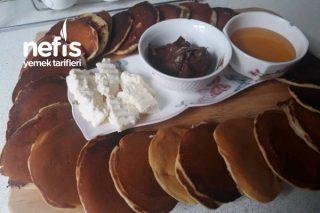 Kahvaltıda Vazgeçilmez Pankek Tarifi
