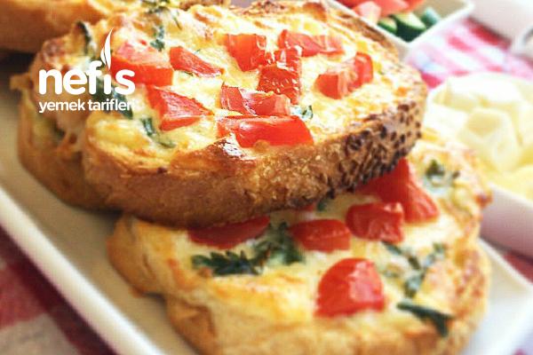 Peynirli Domatesli Ekmekler (Pazar Kahvaltılarına) Tarifi