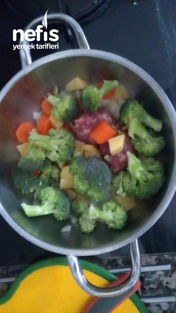 Bebekler İçin Brokoli Çorbası
