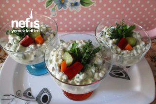 Yeşil Elmalı Buğdaylı Yeşil Mercimekli Yoğurtlu Kupta Salata Tarifi