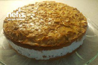 Bienenstich (Almanların Meşhur Pastası) Tarifi