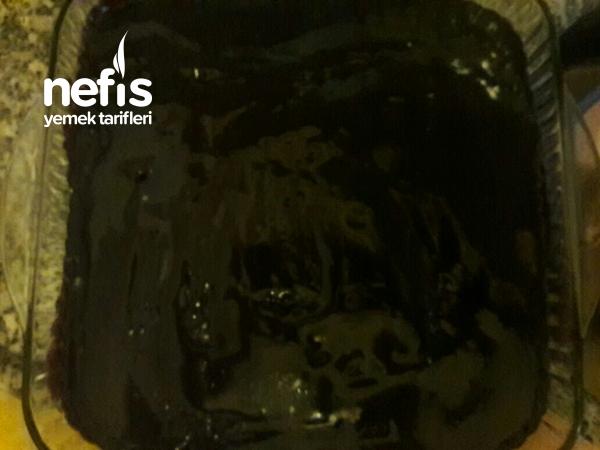 Islak Kek Browni tadında  (Mükemmel Sosuyla)