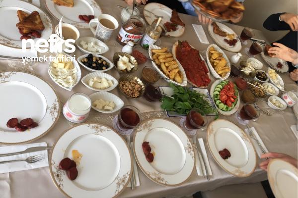 Aile Kahvaltımız Tarifi