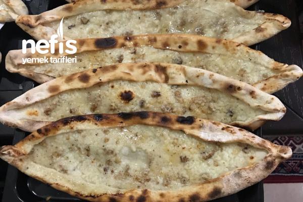 Elazığ Peynirli Ekmek Tarifi