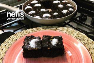 Tavada Islak Kek (Fırınsız Az Malzemeli Hemde Yumuşacık) Tarifi