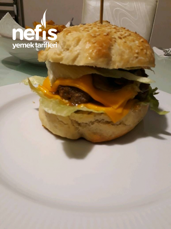 Karamelize Mantar Ve Soğanlı Hamburger