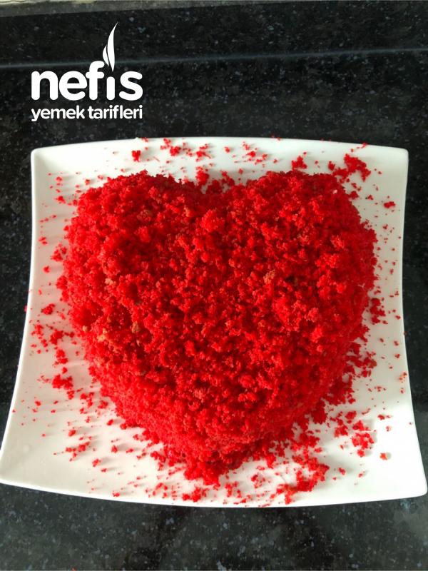 Kırmızı Kadife Pasta (Aşk Pastası)