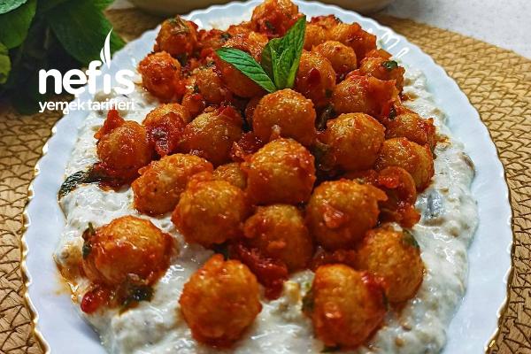 Köz Patlıcanlı Köfte Salata Tarifi