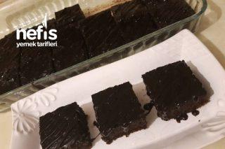 Browni Kek (Bol Soslu Islak Kek) Tarifi