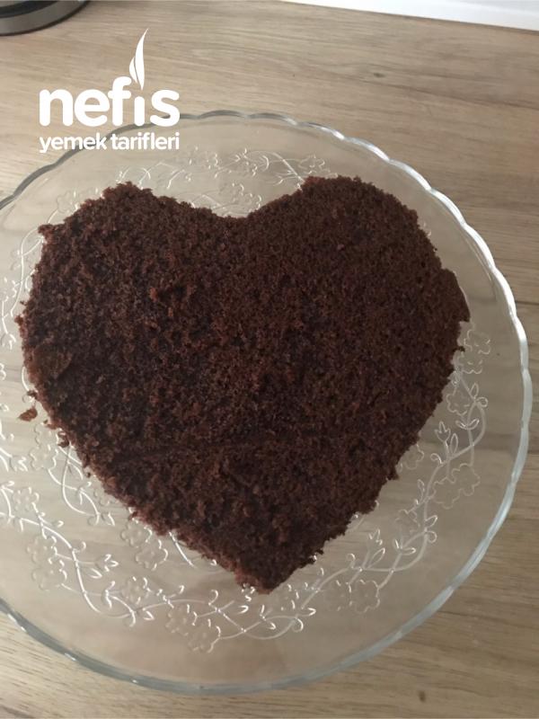 Kek Kalıbı Olmadan Kalpli Kek