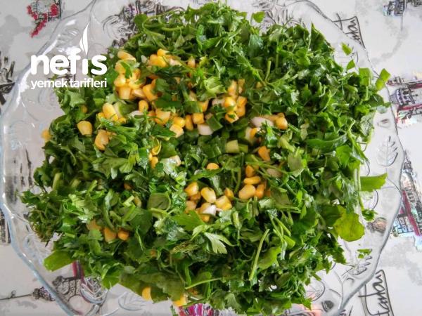Nefis Roka Salatası (Et ve Balık Yemeklerinin Yanına)