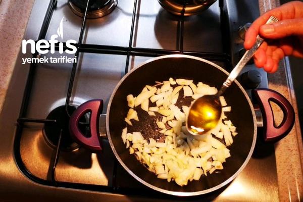Soğanlı, Etli, Mantarlı Kahvaltılık
