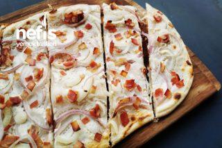 Jambon Ve Ekşi Kremalı Çıtır Pizza Tarifi