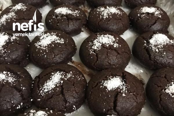 Nefisss Brownie Tadında Kakaolu Islak Kurabiye