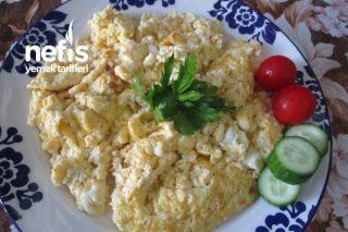Sütlü Peynirli Yumurta Tarifi