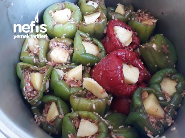 Patates,kırmızı Ve Yeşil Biber Dolması
