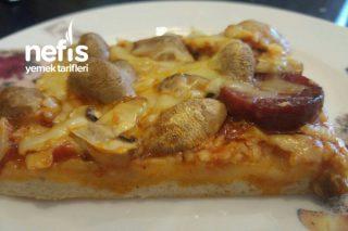 Fırın Tepsisinde İncecik Hamuruyla Nefis Pizza Tarifi