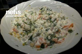 Yoğurtlu Karnabaharlı Brokoli Salatası Tarifi