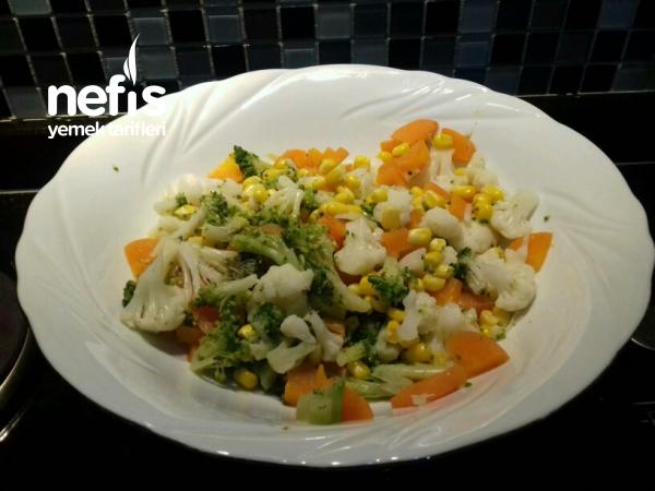 Yoğurtlu Karnabaharlı Brokoli Salatası