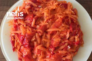Köz Biber Ve Havuç Salatası Tarifi