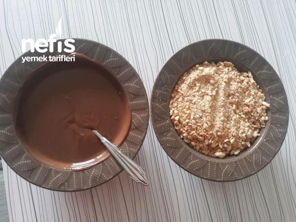 4 Malzemeli Kahve Yanı Atıştırmalık