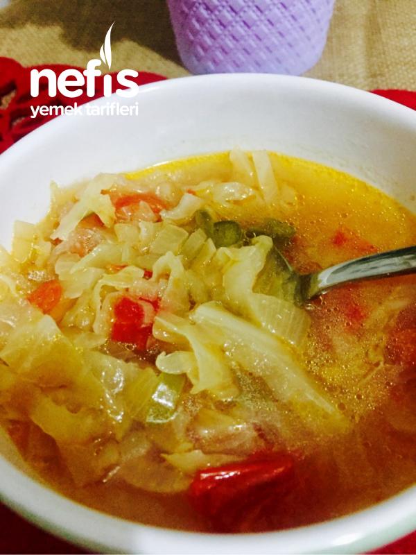 Diyete Uygun Beyaz Lahana Çorbası