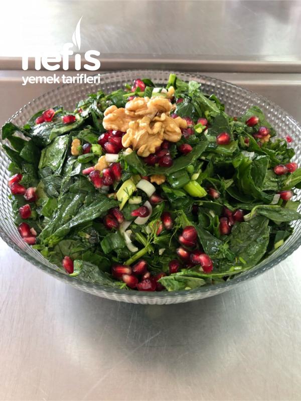 Narlı Cevizli Ispanak Salatası