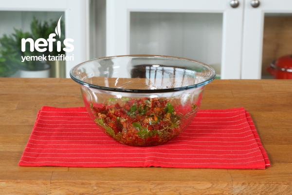Kahvaltılık Kuru Domates Salatası (Kesinlikle Denemelisiniz)