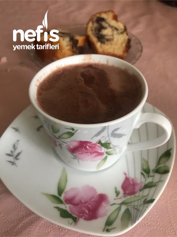 Evde Pratik Ve Lezzetli Sıcak Kakao Yapımı