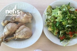 Doyurucu Hafif Öğle Öğünü Tavuk Haşlama Ve Salatam Tarifi