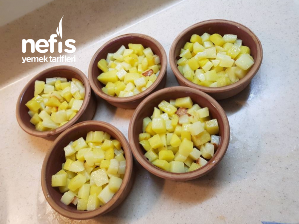Güveçte Köfte Patates