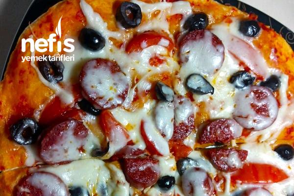 Tavada Hamur Yapmadan Pratik Pizza Tarifi