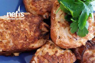 Yumurtalı Soğanlı Baharatlı Ekmek Dilimleri Tarifi