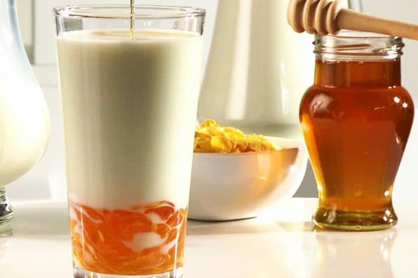 ballı süt faydalı mı