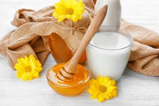 Ballı Süt İçmenin Az Bilinen 7 Faydası Tarifi