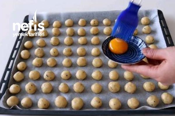 5 Dakikada Aylarca Bayatlamayan Çörek Otlu Kurabiye