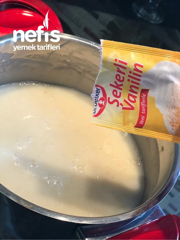 Yoğurt Soslu Kek