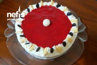 Yaş Pasta (Çilekli Muzlu) Tarifi