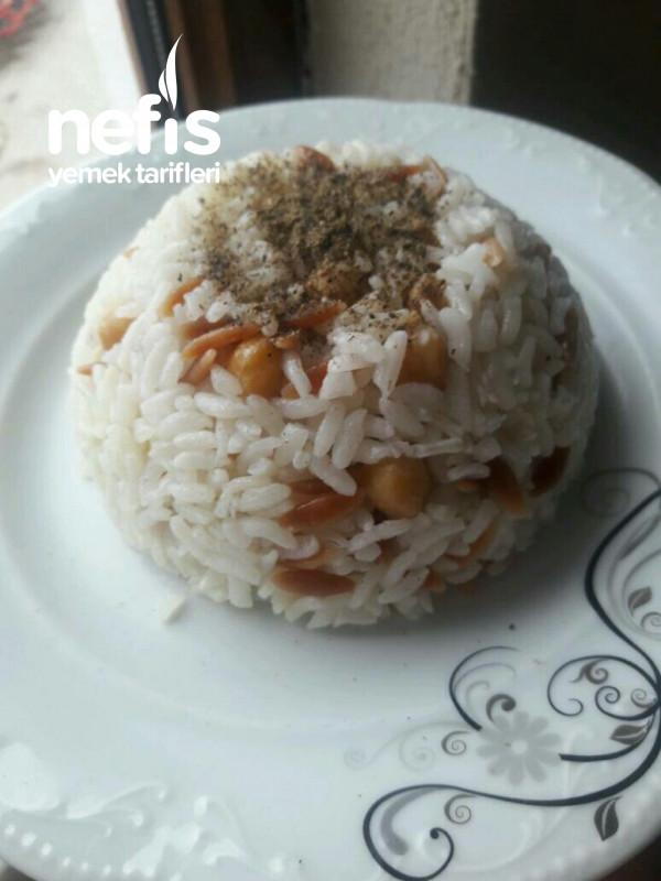 Nohutlu Şehriyeli Pirinç Pilavı