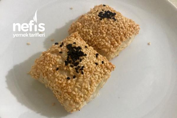 Susamlı Çıtır Milföy Böreği Tarifi