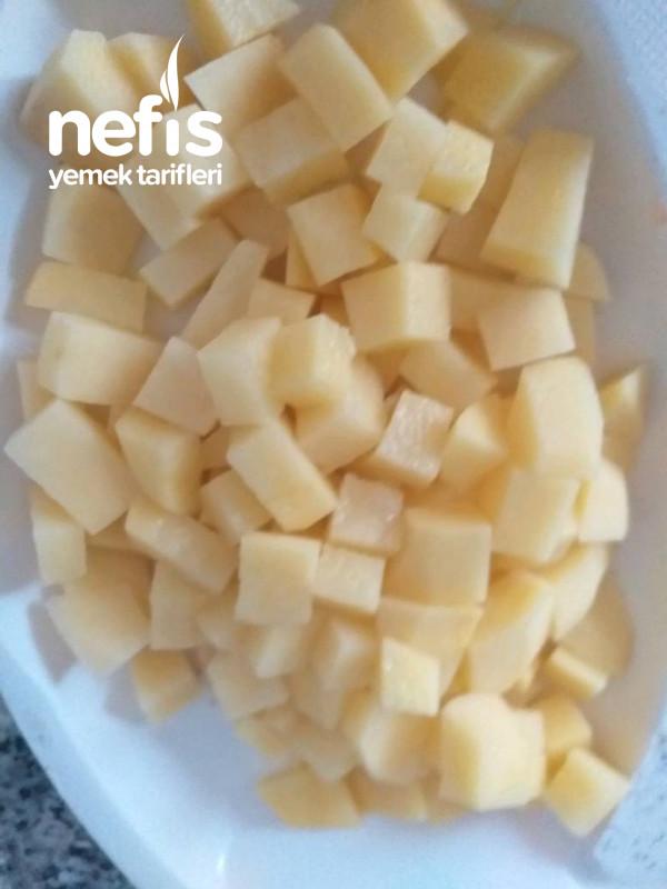 Tavuklu Nohutlu Patates Sulusu